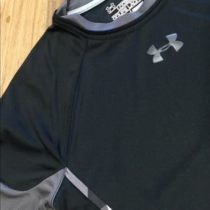 Under Armour YL T-shirt